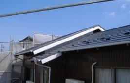 戸建住宅 屋根葺き替え工事<br>ニチハ 横暖ルーフ<br>(愛知県小牧市)